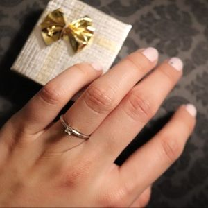 Solid 10KP White Gold Promise Ring w Tiny Diamond
